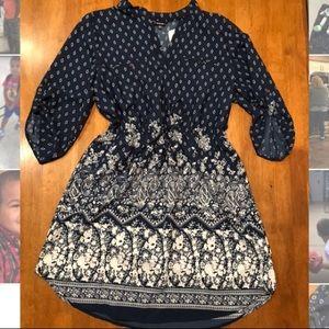 Dresses & Skirts - Navy print dress